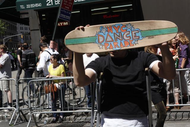 Bill Shannon crutchmaster Skateboard Skater dancer dance parade 2012 disability